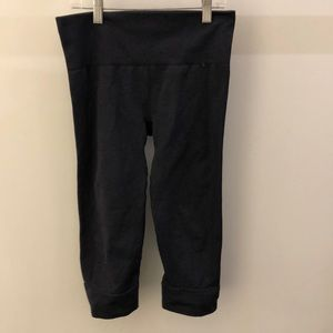 Lululemon blue crop legging, sz 6, 66303